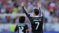 Megabintang Real Madrid, Cristiano Ronaldo tampil gemilang di laga kontra Sevilla, Minggu (3/5/2015) dini hari WIB. CR7 sukses mencetak hat-trick sekaligus membawa Madrid menang 3-2.