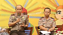 Kapolda Banten Brigjen Pol Boy Rafli Amar (kiri), Asrena Kapolri Irjen Pol Arif Wachyunadi berbicara pada seminar, Jakarta, (11/2). Ini membahas peran dan strategi kepolisian dalam kebijakan pemerintah di bidang ekonomi. (Liputan6.com/Immanuel Antonius)