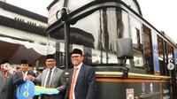 Gubenur Jabar Ridwan Kamil mendesain bus pariwisata. (dok.Instagram @ridwankamil/https://www.instagram.com/p/BrrZeh0HvCf/?utm_source=ig_share_sheet&igshid=h3essz3xyor7/Henry