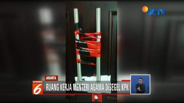 Terkait kasus suap pengisian jabatan di Kementerian Agama yang melibatkan Ketum PPP Romahurmuziy, KPK menyegel ruang kerja Menteri Agama.