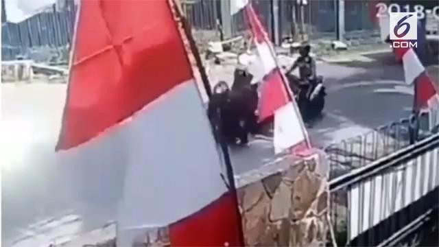 Aksi penjambretan di Citereup, Bogor, terekam kamera CCTV. Uang sebesar 130 juta rupiah raib dijambret.