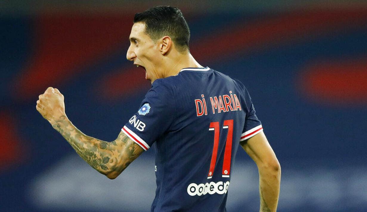 Penyerang Paris Saint-Germain (PSG), Angel Di Maria, melakukan selebrasi usai mencetak gol ke gawang Renners pada laga Liga Prancis di Stadion Parc des Princes, Sabtu (7/11/2020). PSG menang dengan skor 3-0. (AP/Christophe Ena)