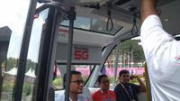 Sandiaga menjajal mobil tanpa sopir di GBK Senayan.