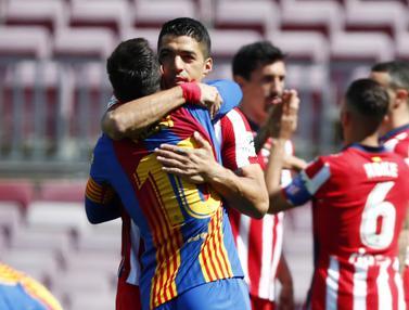 FOTO: Momen Luis Suarez Reuni dengan Pemain Barcelona