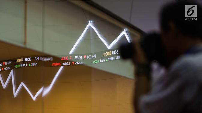 Layar indeks harga saham gabungan menunjukkan data di Bursa Efek Indonesia, Jakarta, Selasa (2/1). Angka tersebut naik signifikan dibandingkan tahun 2016 yang hanya mencatat penutupan perdagangan pada level 5.296,711 poin. (Liputan6.com/Faizal Fanani)#source%3Dgooglier%2Ecom#https%3A%2F%2Fgooglier%2Ecom%2Fpage%2F%2F10000