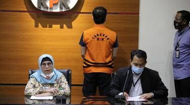 Wakil Ketua KPK Lili Pintauli Siregar mengumumkan penangkapan buron Direktur PT Multicon Indrajaya Terminal (MIT) Hiendra Soenjoto, Kamis (29/10/2020)