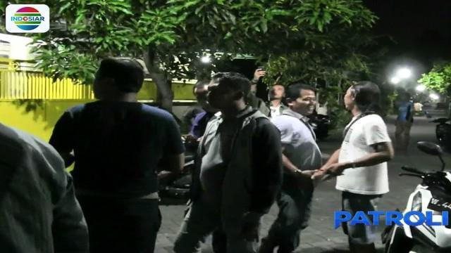 Operasi penangkapan berlangsung Rabu 16 Mei 2018 malam, usai keduanya pulang menunaikan salat tarawih.