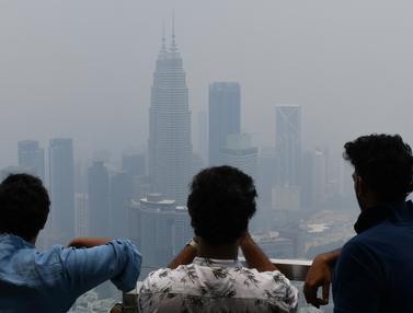 Penampakan Pekatnya Kabut Asap Kota Kuala Lumpur