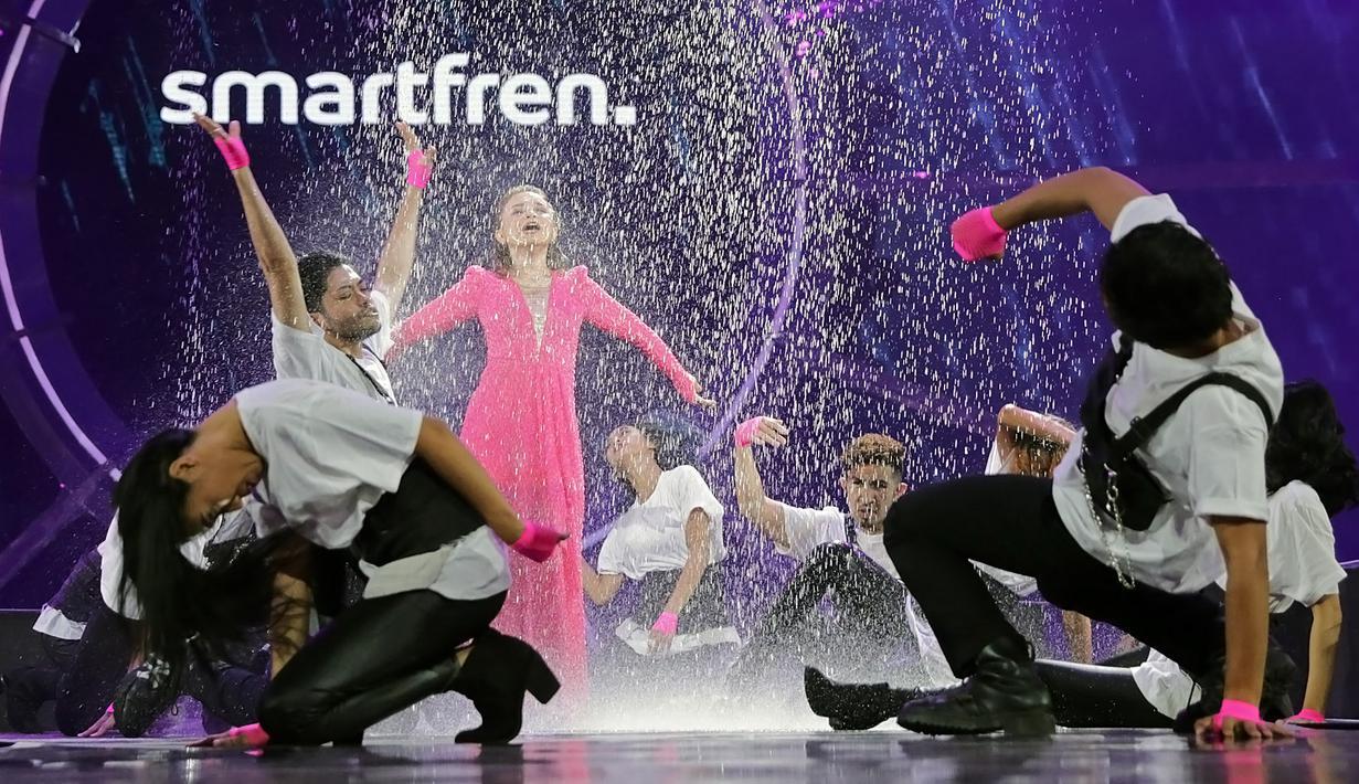 Rossa tampil basah-basahan di Smartfren WOW Concert 2019, Jumat (20/9/2019) malam. (Bambang E Ros/Fimela.com)