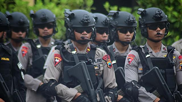 Untuk wilayah Kota Tangerang yang di bawah pengamanan Mapolres Metro Tangerang, diterjunkan 700 personel kepolisian.