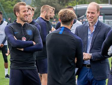 FOTO: Jelang Piala Dunia, Pangeran William Semangati Timnas Inggris