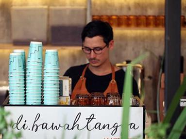 Kedai kopi milik Nino Fernandez ini diberi nama  'Di Bawah Tangga'. (Liputan6.com/IG/ninojkt)