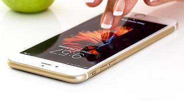 Ilustrasi Layar Smartphone, Layar Ponsel