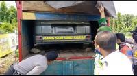 Pria menyewa truk untuk nekat mudik ke Lampung Timur di tengah wabah Corona. (Istimewa)