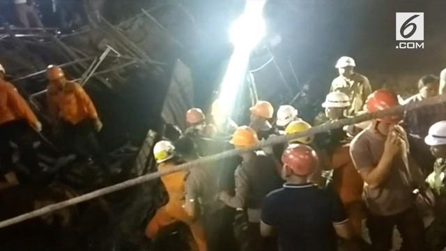 Basarnas berhasil mengevakuasi 2 jenazah pekerja yang tertimpa reruntuha jembatan tol Manado-Bitung