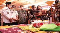Wali Kota Malang, Sutiaji bersama Kepala Bank Indonesia wilayah Malang, Azka Subhan saat kegiatan Karya Kreatif Indonesia (KKI) Seri I pada 24 Maret 2021 (Humas BI Malang)