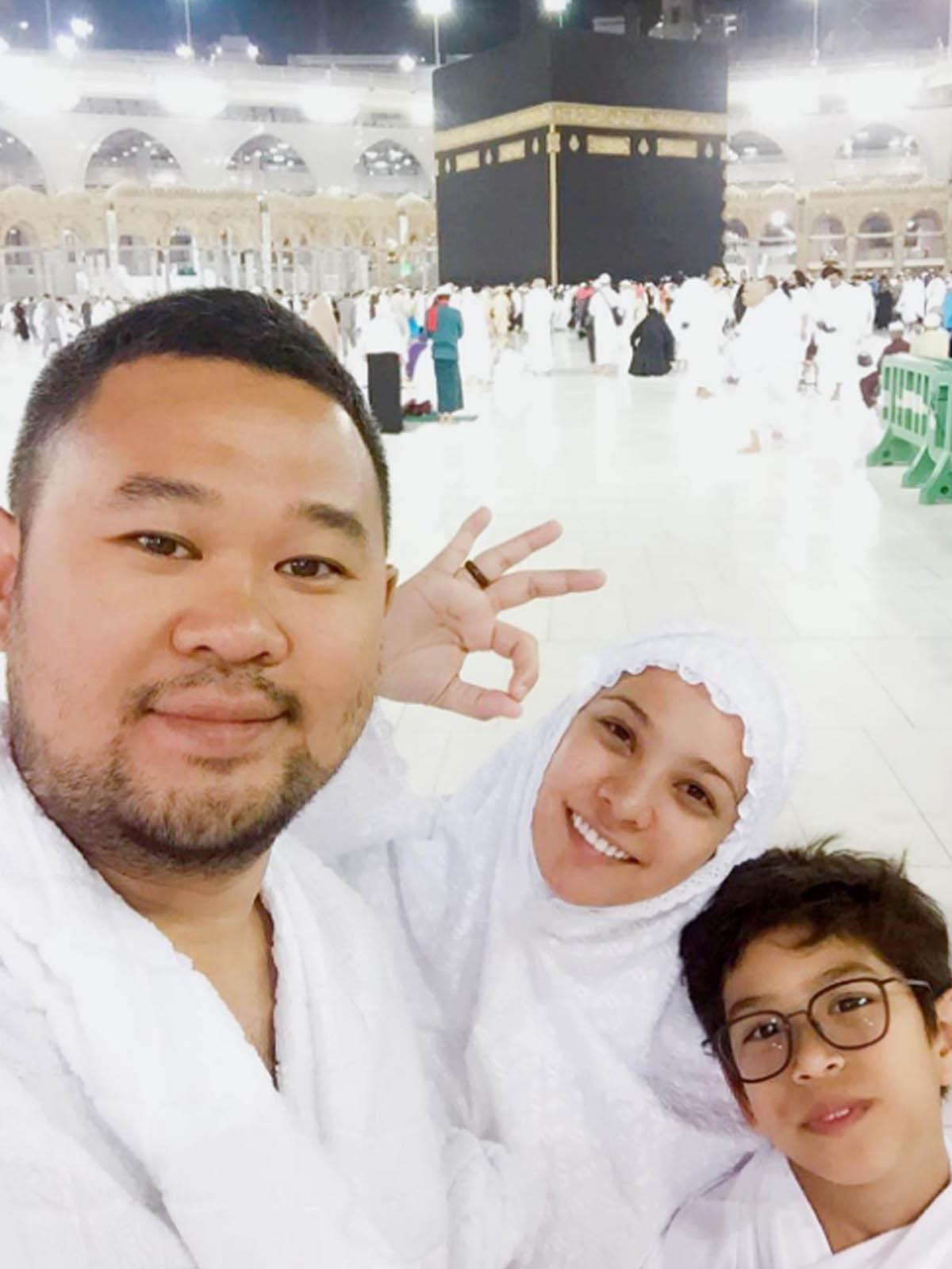 Rachel Maryam bersama suami Edwin Aprihandono dan anak, Muhammad Kale Mata Angin. (Instagram)
