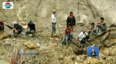 Tim SAR Gabungan terus melanjutkan pencarian korban longsor yang terjadi di Desa Halado, Toba Samosir, Sumatra Utara.
