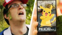 Selama ini, Pokemon Go hanya bisa kamu mainkan lewat ponsel pintar. Tapi, kedua pria ini bisa benar-benar 'menghadirkan' Pikachu! | via: youtube.com