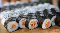 Selain berbentuk bulat, ternyata ada kreasi bentuk lain dari makanan khas Jepang ini.