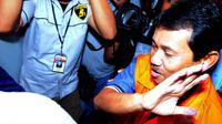 Usai diperiksa, Rachmat Yasin membantah jika dirinya meminta atau menerima uang dari pihak swasta  (Liputan6.com/Faisal R Syam)
