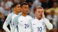 Kekalahan dari Islandia lebih buruk bagi Rooney dan timnas Inggris karena terjadi di babak 16 besar bila di bandingkan hasil Piala Eropa 2004 dan 2012. (Reuters/Kai Pfaffenbach)