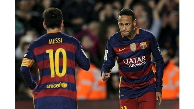 Trio MSN Barcelona yaitu Lionel Messi, Luis Suarez dan Neymar mendapat ejekan kasar dan menjurus rasisme saat Barcelona bertandang ke Stadion Power8 yang menjadi kandang Espanyol, Sabtu (2/1/2016).