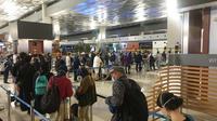 Penerapan protokol kesehatan di Bandara Soekarno-Hatta. (Liputan6.com/Nanda Perdana Putra)