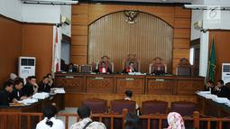 Suasana sidang lanjutan dengan terdakwa kasus dugaan penyebaran berita bohong atau hoaks Ratna Sarumpaet di Pengadilan Negeri Jakarta Selatan, Kamis (25/4). Sidang tersebut dengan agenda pemeriksaan saksi ahli yang dihadirkan oleh Jaksa Penuntut Umum (JPU). (Liputan6.com/Herman Zakharia)