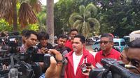 Ketua TKN Jokowi-Ma'ruf Erick Thohir memberi keterangan di Alun-alun Tangerang, Banten, Minggu (24/3/2019). (Liputan6.com/Hari Ariyanti)
