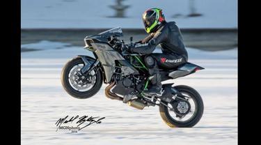 Kawasaki Ninja H2 Siap Pecahkan Rekor Wheelie di Atas Es