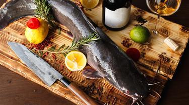 Tips Membersihkan Dan Mengolah Ikan Lele Agar Bau Amisnya Hilang Lifestyle Fimela Com
