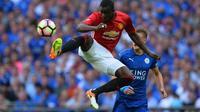 Bek Manchester United asal Pantai Gading, Eric Bailly. (AFP/Glyn Kirk)