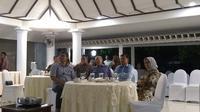 Nobar debat capres di rumah dinas Wapres Jusuf Kalla (Merdeka/ Intan Umbari Prihatin)