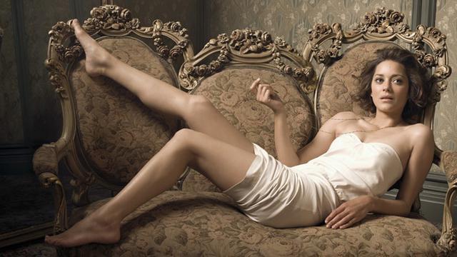 10 Aktris Hollywood Paling Berani Beradegan Hot dan Seksi - ShowBiz
