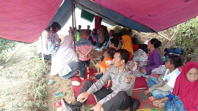 Trauma Diguncang Gempa Ratusan Warga Bogor Pilih Tinggal Di