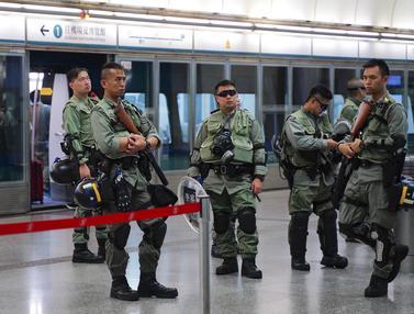 Polisi Hong Kong Jaga Ketat Stasiun MTR dan Bandara
