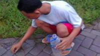 Masa kecil Faisal yang asyik dengan dunianya sendiri. (foto : Liputan6.com / Edhie Prayitno Ige)