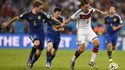 Pemain Arsenal ini mengambil sikap tersebut karena adanya perlakuan rasis dan sikap tidak hormat terhadap dirinya. (AFP/Fabrice Coffrini)
