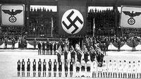 Laga sepak bola di bawah pendudukan Nazi. (Twitter)