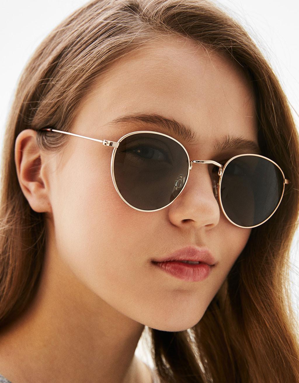 Sunglasses. (Image: bershka.com)