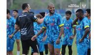 5 Potret David Da Silva Latihan Bersama Terengganu FC, Eks Persebaya Surabaya (sumber: Instagram/tranungningboh)