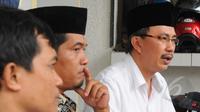 Jeirry Sumampow (kanan) saat diskusi menuntut Komisi Pemilihan Umum (KPU) ungkap sedot data pemilu 2014 dan menolak kenaikan dana kehormatan KPU, Jakarta, Senin (13/4/2015). (Liputan6.com/Herman Zakharia)
