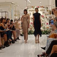 Intip pilihan outfit minimalis dan elegan dari Kallula dan Mawar Eva (Foto: Vinsensia Dianawanti)