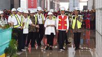 Presiden Joko Widodo (Jokowi) meninjau perkembangan pembangunan New Yogyakarta International Airport (NYIA) atau Bandara Baru Yogyakarta di Kabupaten Kulon Progo, Daerah Istimewa Yogyakarta (DIY). (Dok Angkasa Pura II)