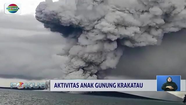 Pascalongsor pekan lalu yang mengakibatkan tsunami, ketinggian Gunung Anak Krakatau saat ini berkurang drastis. Meski demikian statusnya masih siaga tiga.