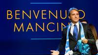 Pelatih Zenit St Peterseburg, Roberto Mancini, mengaku tertarik untuk menjadi pelatih Paris Saint-Germain menggantikan Unai Emery. (AFP/Olga Maltseva)