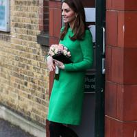 Intip gaya modern Kate Middleton ketika mengunjungi sekolah (Foto: Instagram.com/fashion_you_are_beautiful)