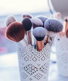 Ilustrasi kuas makeup. (pexels.com)
