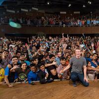 Pendiri Facebook, Mark Zuckerberg mengajak masyarakat dunia untuk menggunakan fitur video 360.